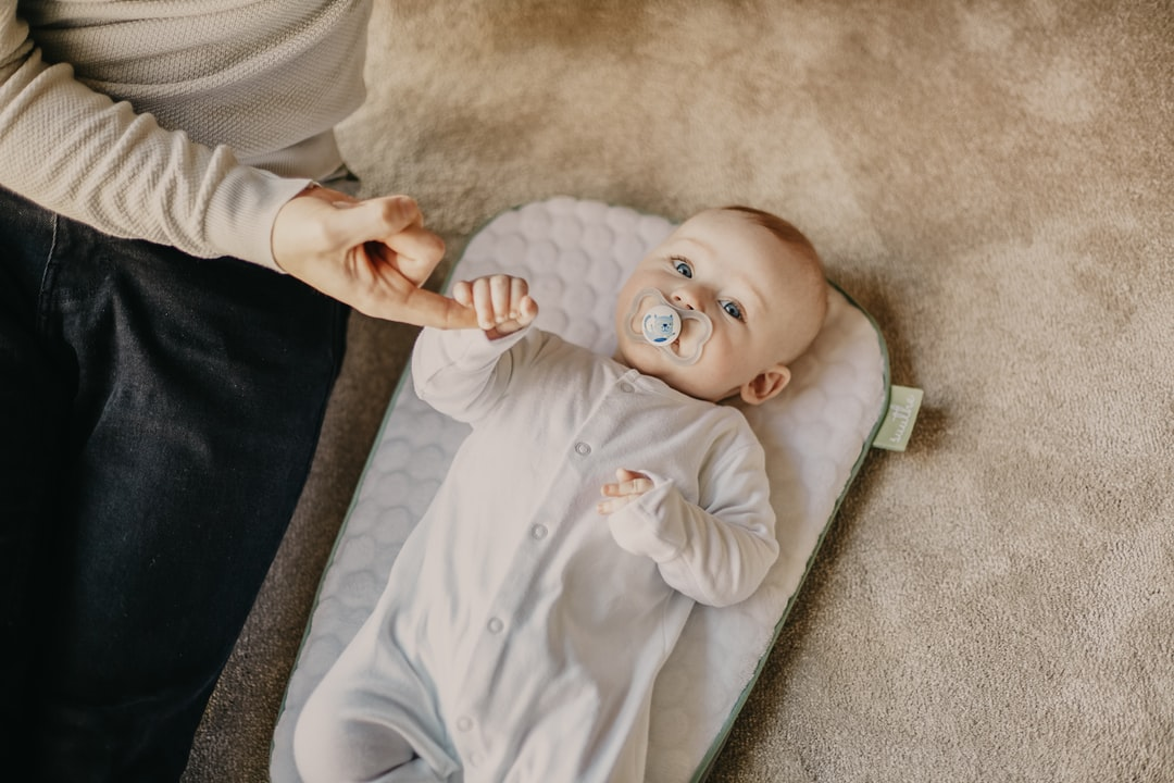 4 mos baby development